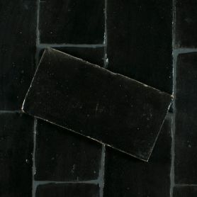Czarna płytka gliniana